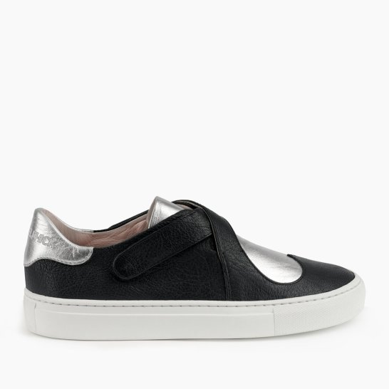 Heart & Sole Black